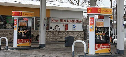 River Hills Automotive gas station