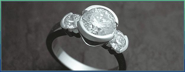 Classic 3-Stone ring