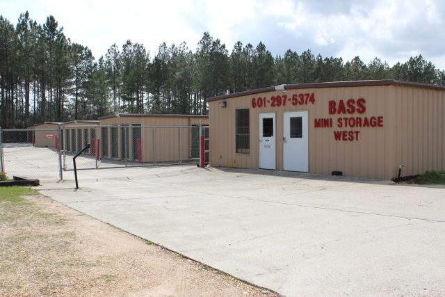 Contact Bass Mini Storage | Hattiesburg, MS | 601-325-4150