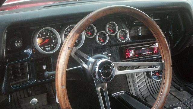 Auto stereo services