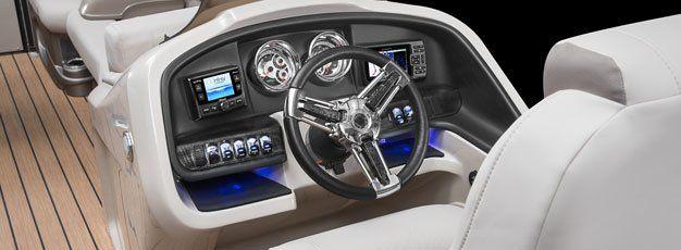 Steering wheel for pontoon