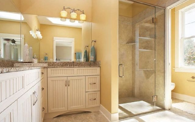 Bathroom designer pittsburgh master bathroom remodeling renovation in pittsburgh for Patete kitchen bath design center reviews
