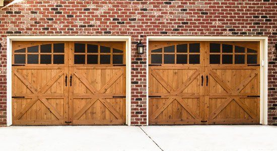 The Wayne Dalton 7000 Series Wood Doors Combine The Convenience Of Modern  Sectional Doors With The Classic Appearance Of Swing Open Carriage House  Style ...