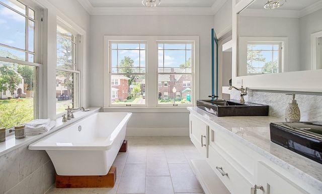 Fabulous Bathtub Refinishing Co Llc Shower And Tile Lakewood Wa Download Free Architecture Designs Scobabritishbridgeorg