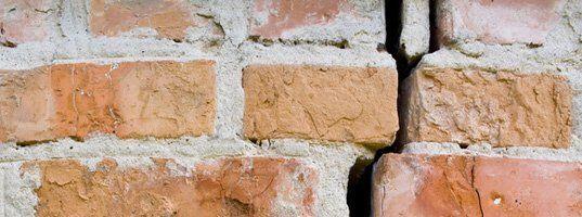 Outside Siding or Brick Splits