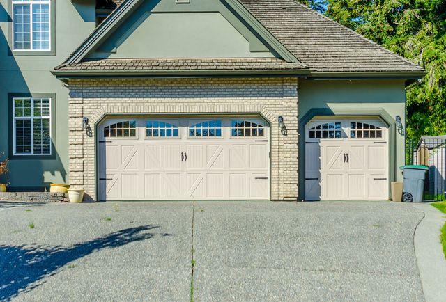 DME Garage Door Repair | Overhead Door Repair | Menasha WI ...