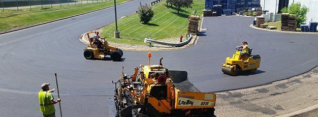Commercial blacktopping services