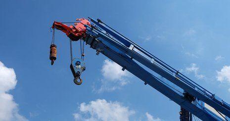 Crane lifting service
