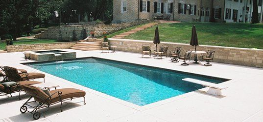 In ground swimming pool gunite construction bethalto il for In ground swimming pool contractors
