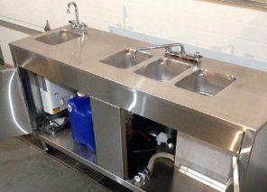 Portable 4-comp. sink