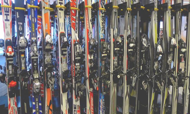Rentals | Mini Mountain Indoor Ski Center | Bellevue, WA