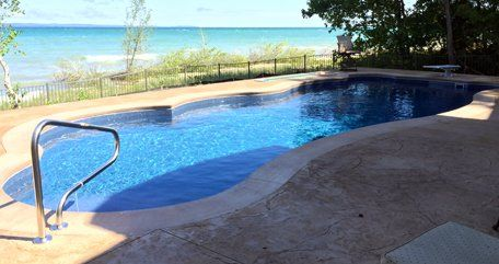 Poolside pool installation traverse city mi for Affordable pools and supplies
