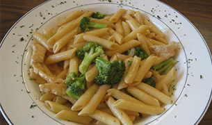 Penne With Broccoli and Chicken