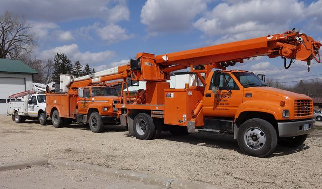 Fault Locating Truck : Aerial services locating and fault finding new hampton ia